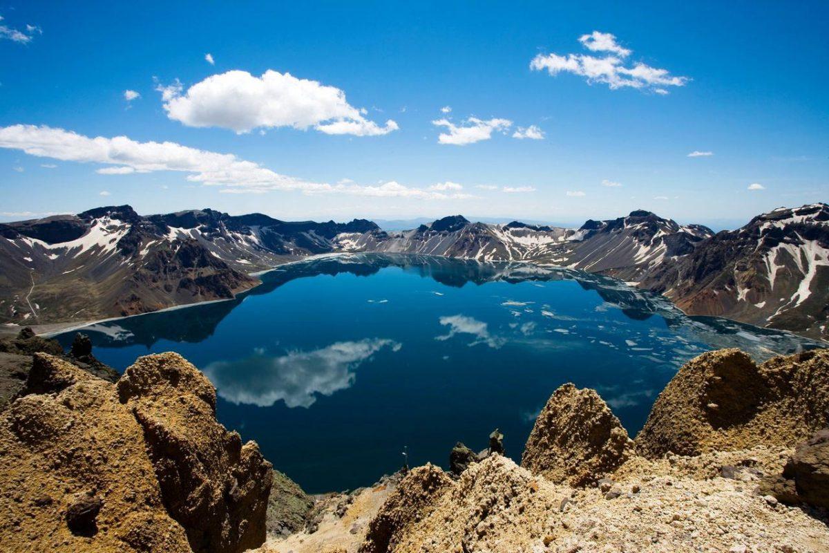 Heaven-Lake-China-North-Korea10-1200x800.jpg