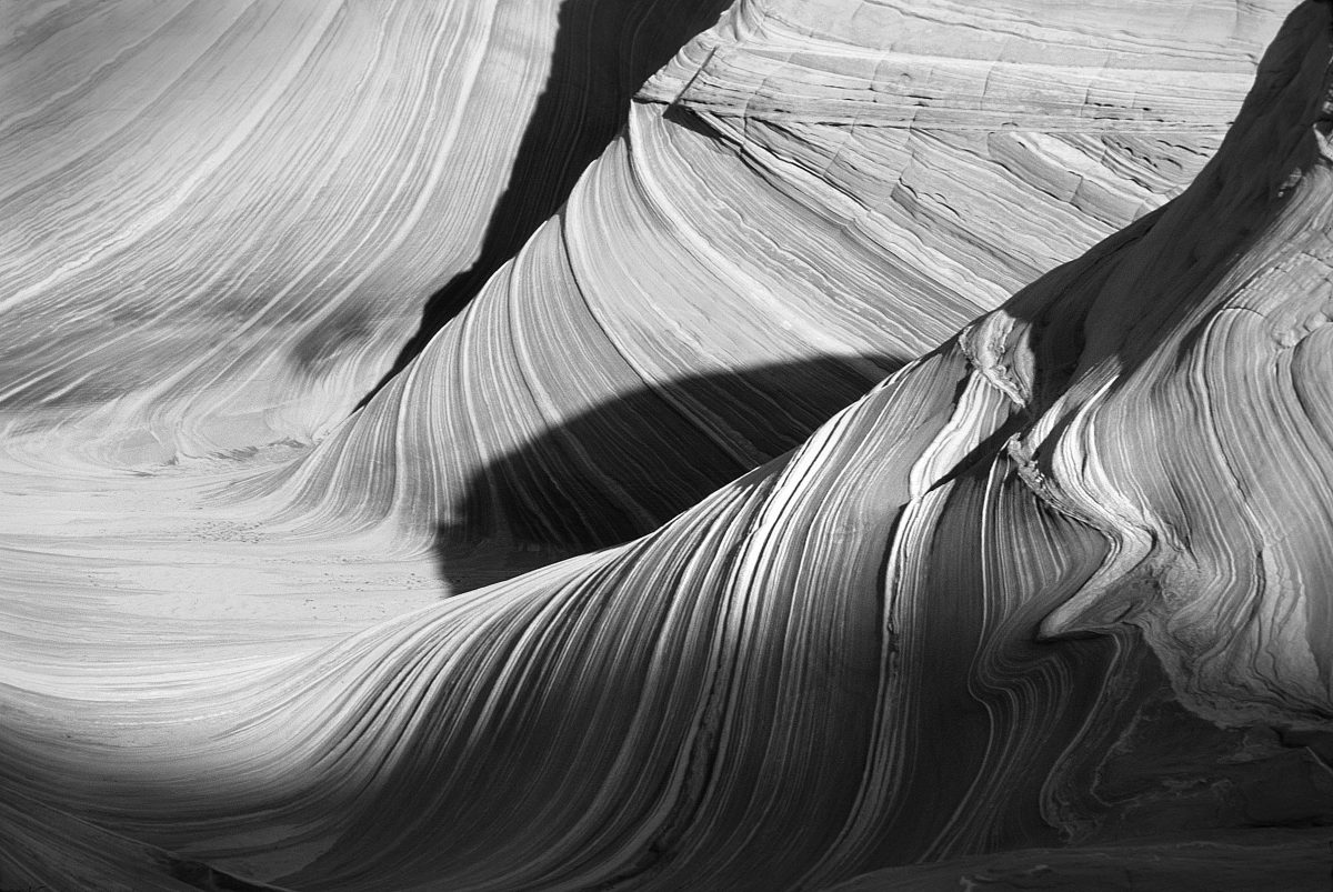 black-and-white-canyon-curve-153906-1200x803.jpg